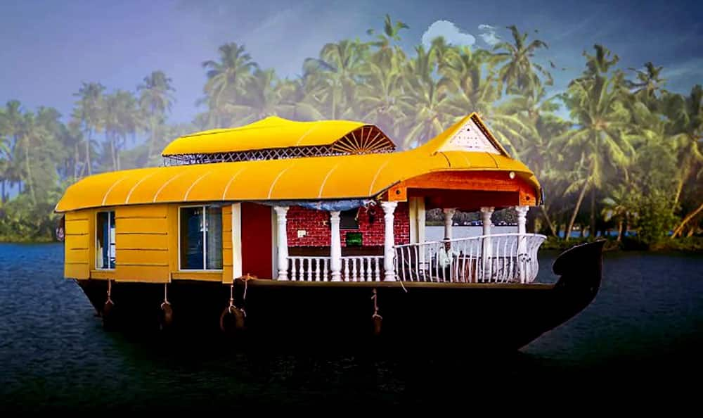 This Honeymoon Suite In A Boat In Kerala