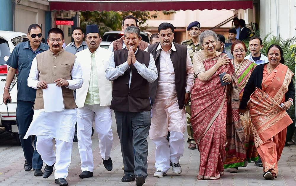 Cong delegation meets Election Commission of India