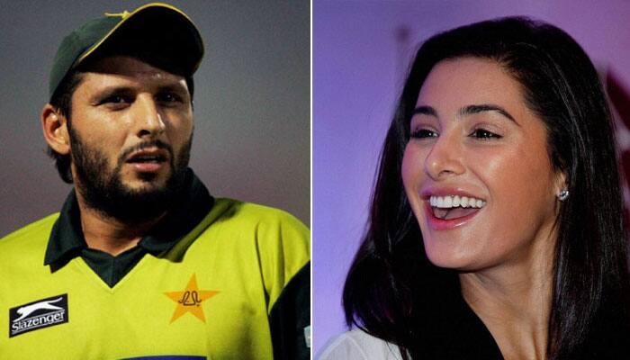 WATCH: Bollywood siren Nargis Fakhri wishes Shahid Afridi, Peshawar Zalmi best of luck ahead of PSL eliminator