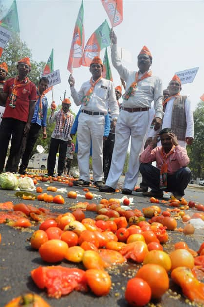 Farmers protest in Bhubaneswar