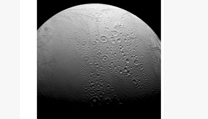 The dichotomy between northern and southern regions of Saturn's moon Enceladus – See pic