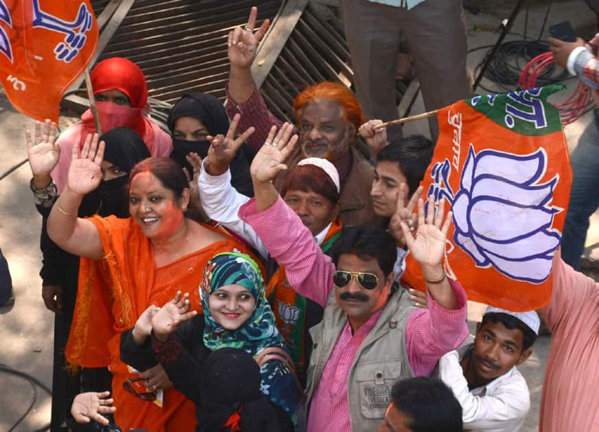 BJP supporters celebrate
