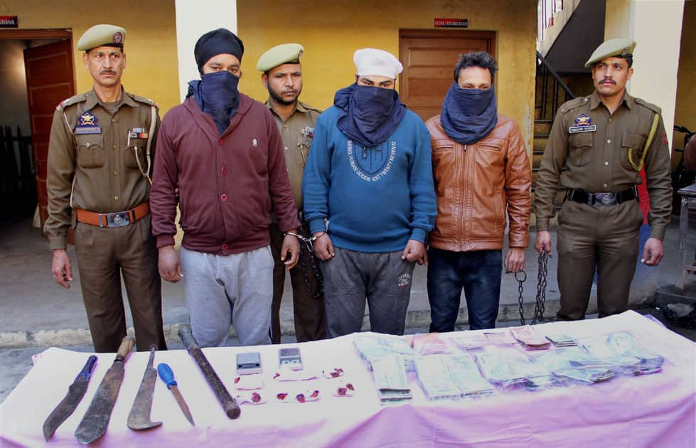 Three arrested for being part of drug mafia