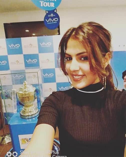 Instagram-rhea_chakraborty