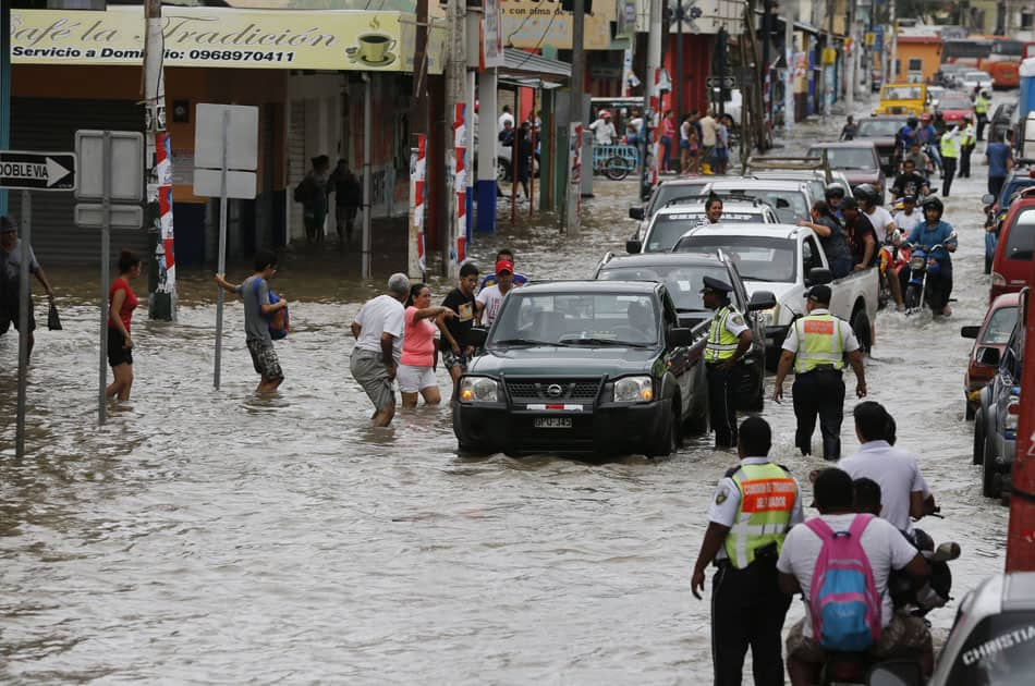 flooded street in Milagro