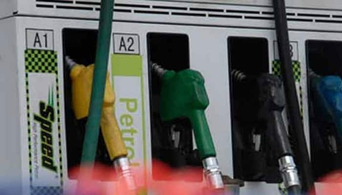 Petrol pump owners threaten to remain shut on Sundays