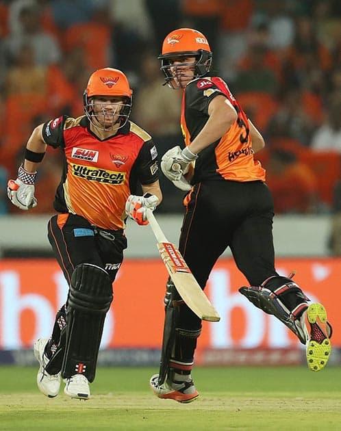 Sunrisers Hyderabad captain David Warner and Moises Henriques during IPL 2017