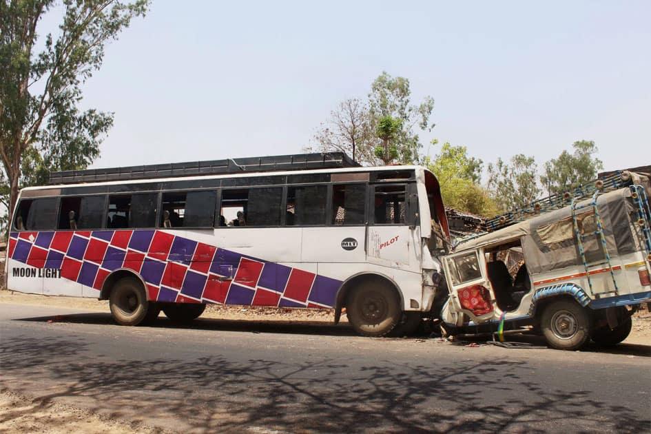 Road accident in Latehar