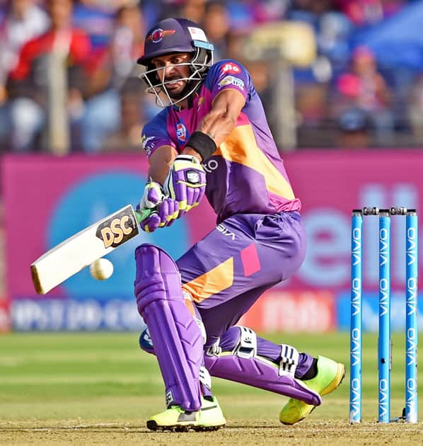 batsman Manoj Tiwary plays a shot