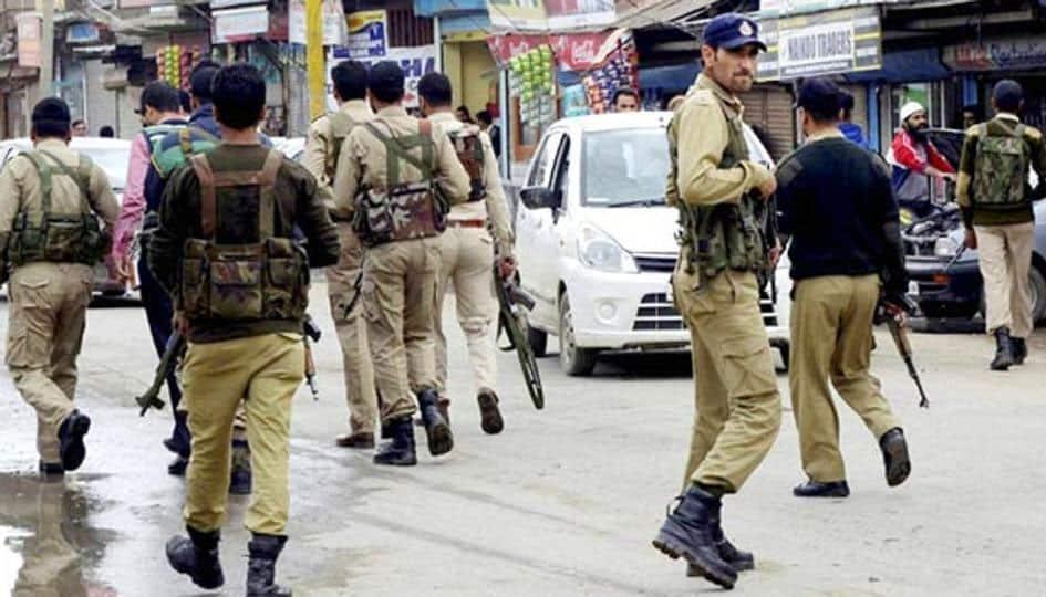 Terrorists kill 4 cops, 2 bank officials while looting cash van in Kashmir