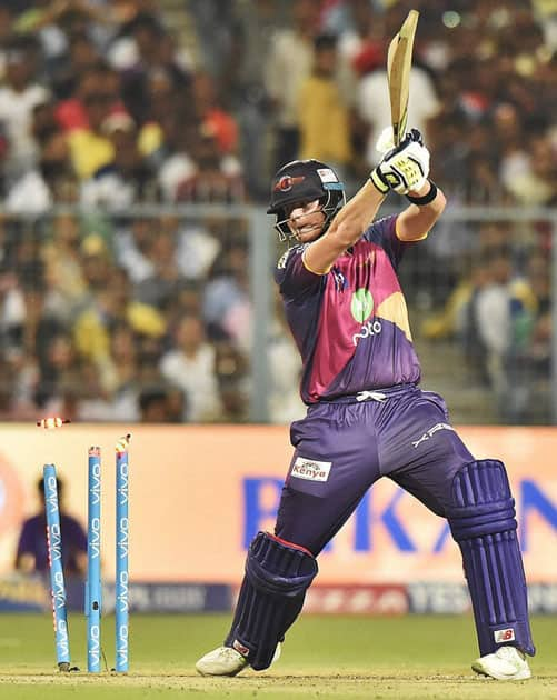 RPS captain Smith gets clean bowled