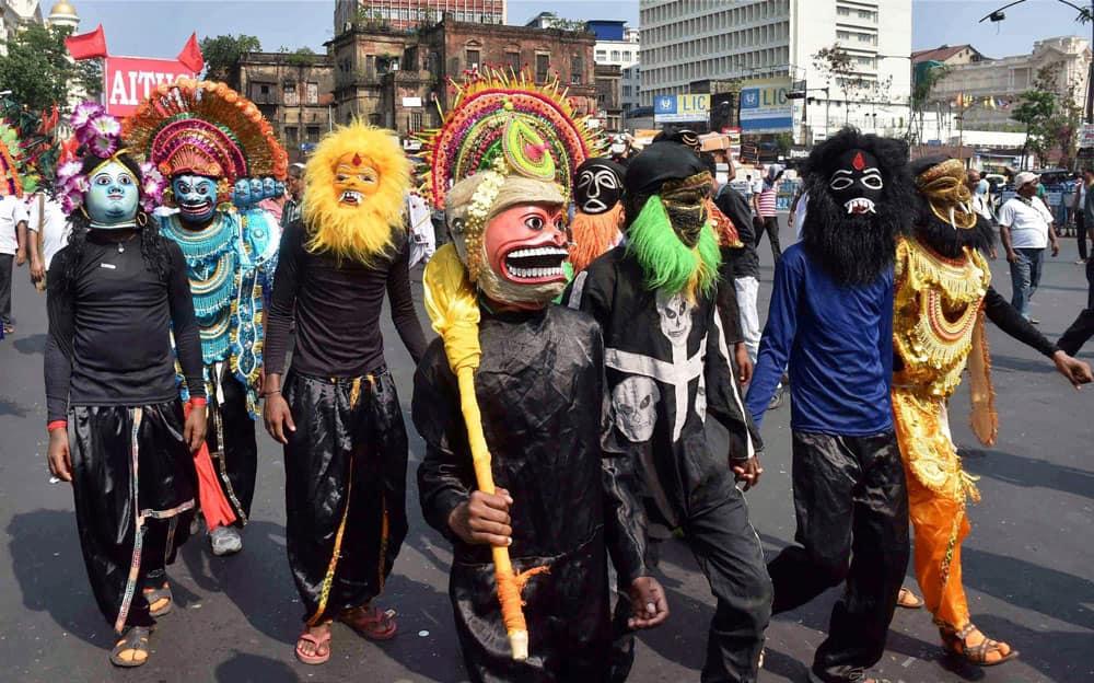 AITUC activists protest in Kolkata