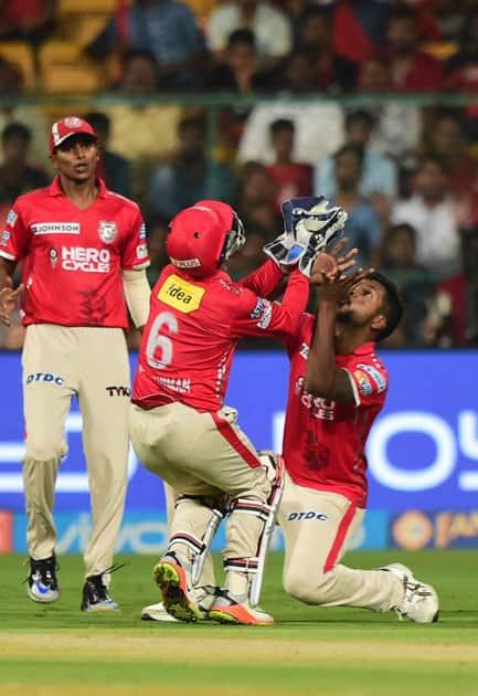 Wridhimaan Saha and Varun Aaron collided while taking a catch