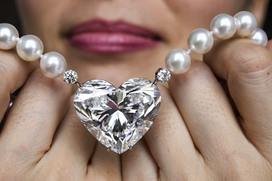 The flawless heart-shaped Boehmer and Bassenge La legende diamond