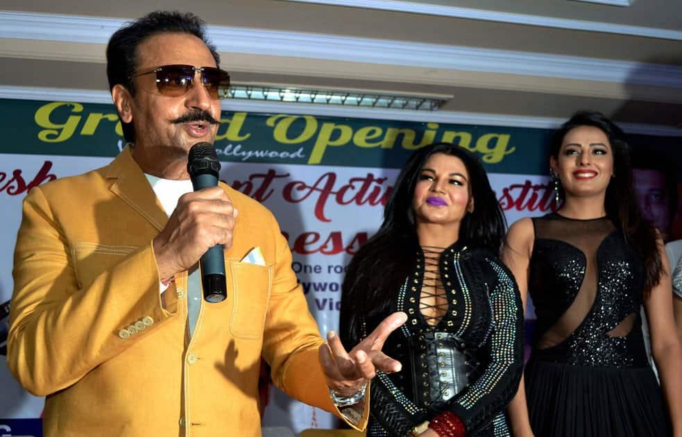 Actor Gulshan Grover and Rakhi Sawant in Agra