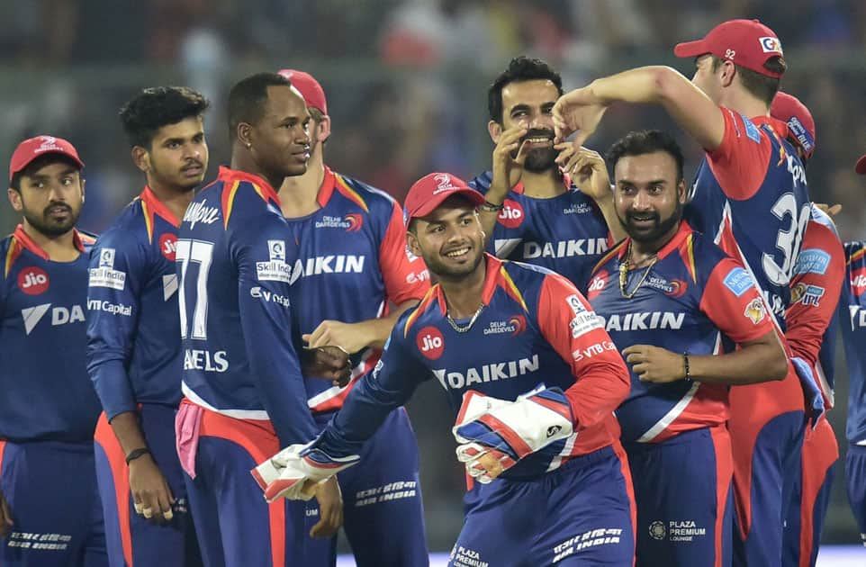 Delhi Daredevils captain Z Khan with teammates celebrates