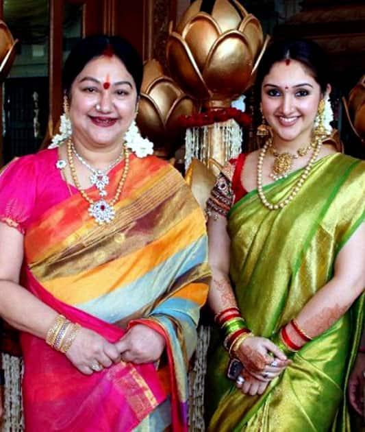 Preetha Vijayakumar - Manjula Vijayakumar