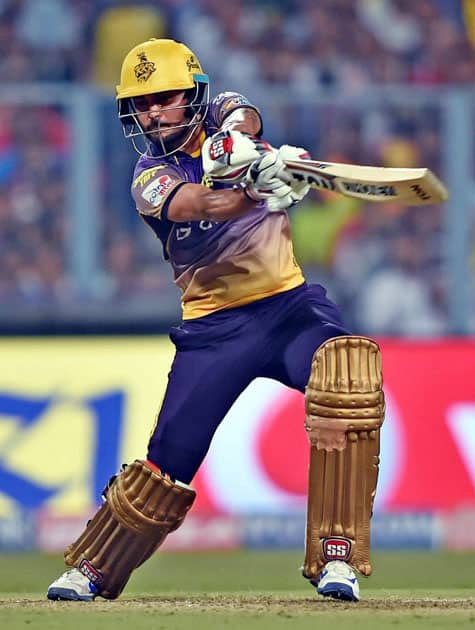 Manish Pandey plays a shot