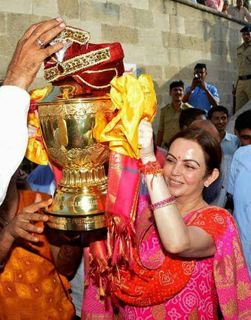 Nita Ambani with IPL trophy visits Dwarka temple