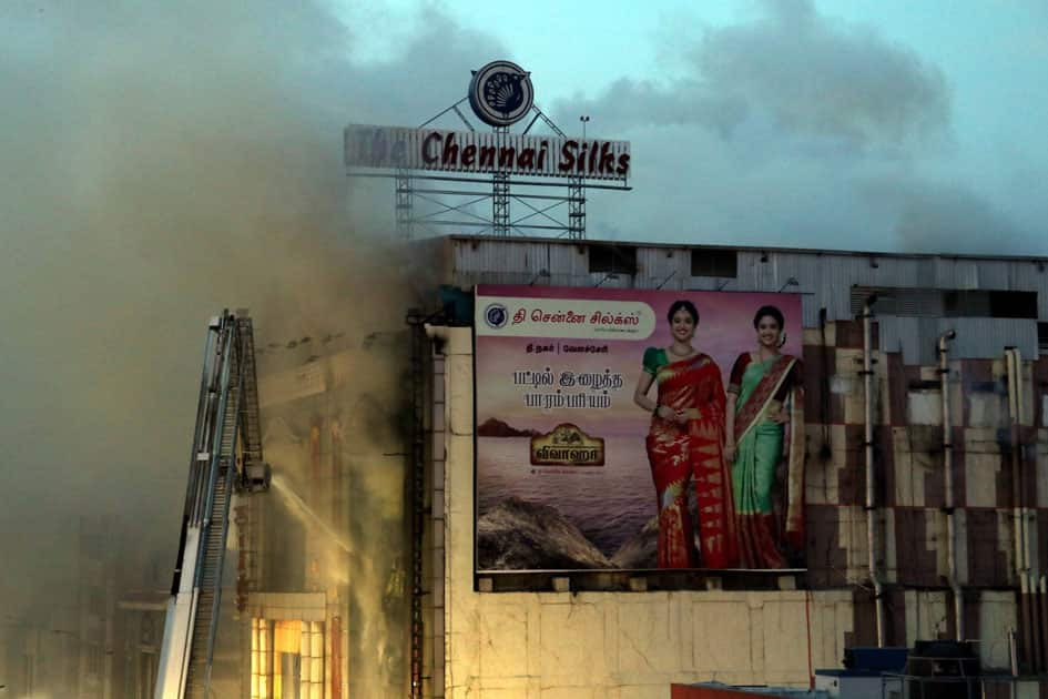 Fire breaks out at a shop in Chennai