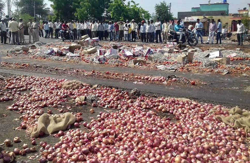 Farmers protest in Nashik