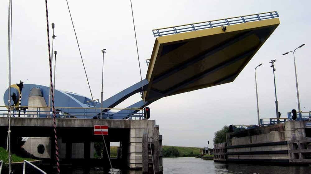 Slauerhoff Bridge (the Flying Drawbridge),  Leeuwarden, the Netherlands
