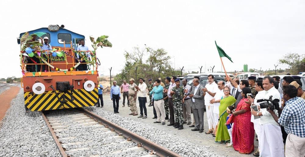 Nitin Gadkari flagging off the rail connectivity