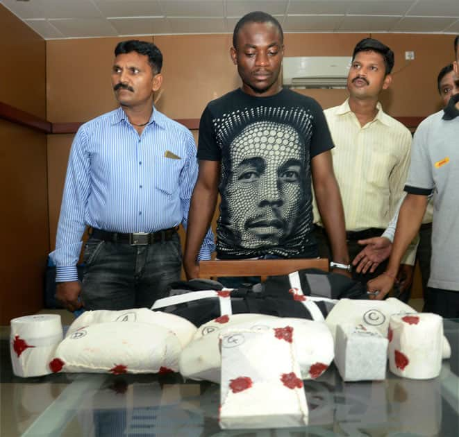 Nigerian citizen arrested with drugs worth rupee 5