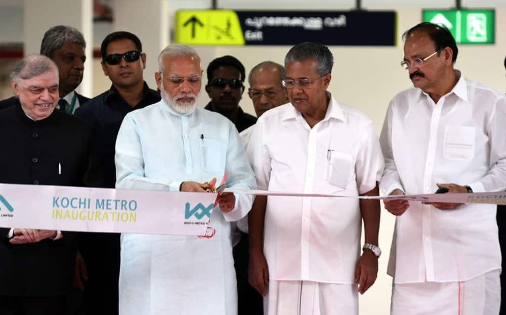 Narendra Modi inaugurates the Kochi Metro