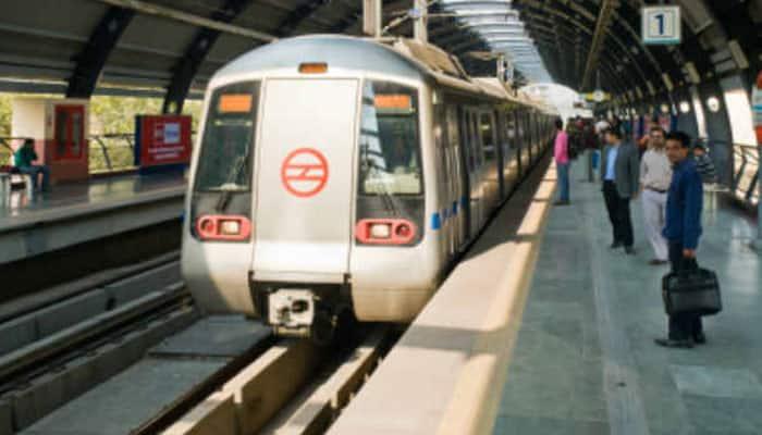 Now You Can Buy Delhi Metro Token Recharge Smart Card Via App
