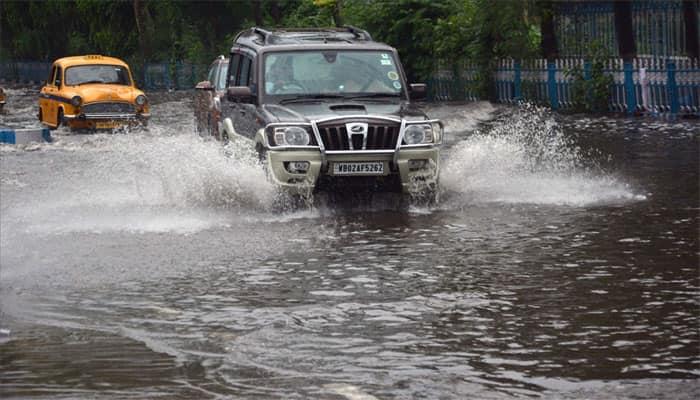 Heavy monsoon showers leave Kolkata roads waterlogged