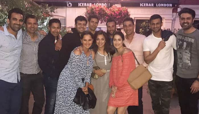 Sania Mirza, Shoaib Malik hang out with Zaheer Khan, Ashish