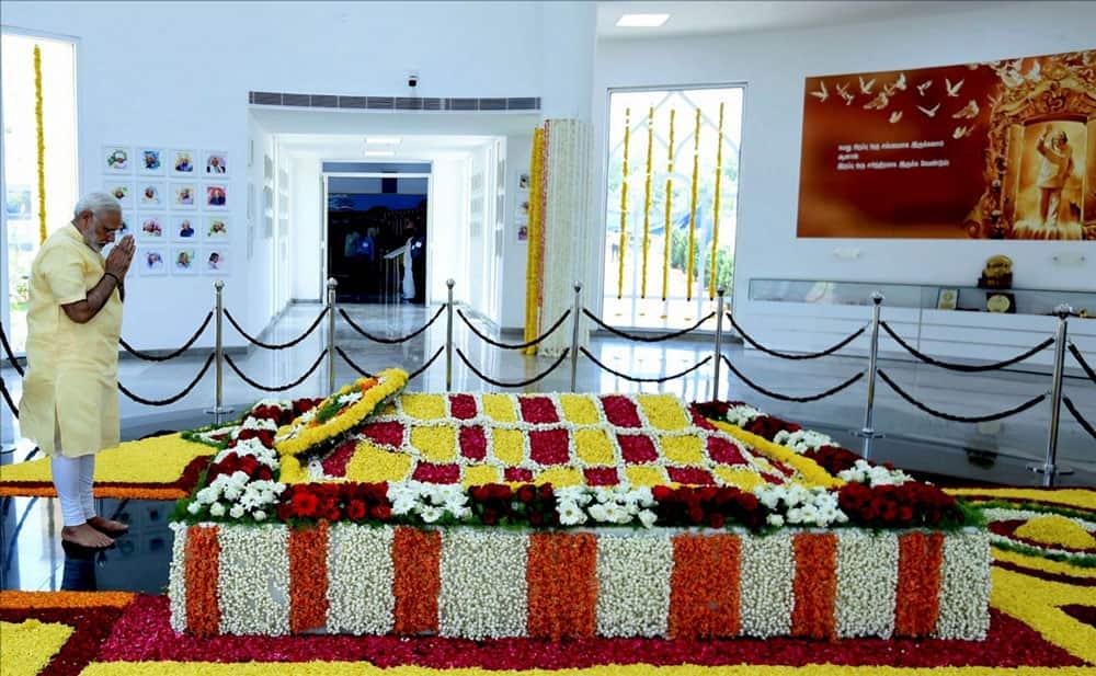 Narendra Modi pays homage to Dr. A.P.J. Abdul Kalam
