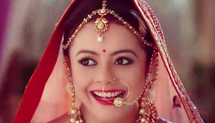 Gopi Bahu Devoleena Bhattacharjee Starts Singing Career With Krishna Bhajan Music News Zee News