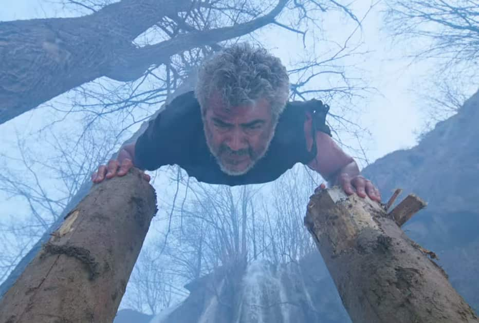 Movie still from the movie Vivegam