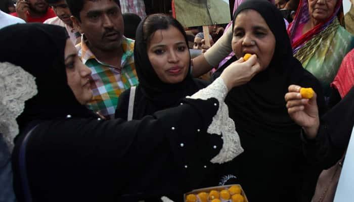 In landmark verdict, Supreme Court strikes down instant triple talaq, calls it unconstitutional
