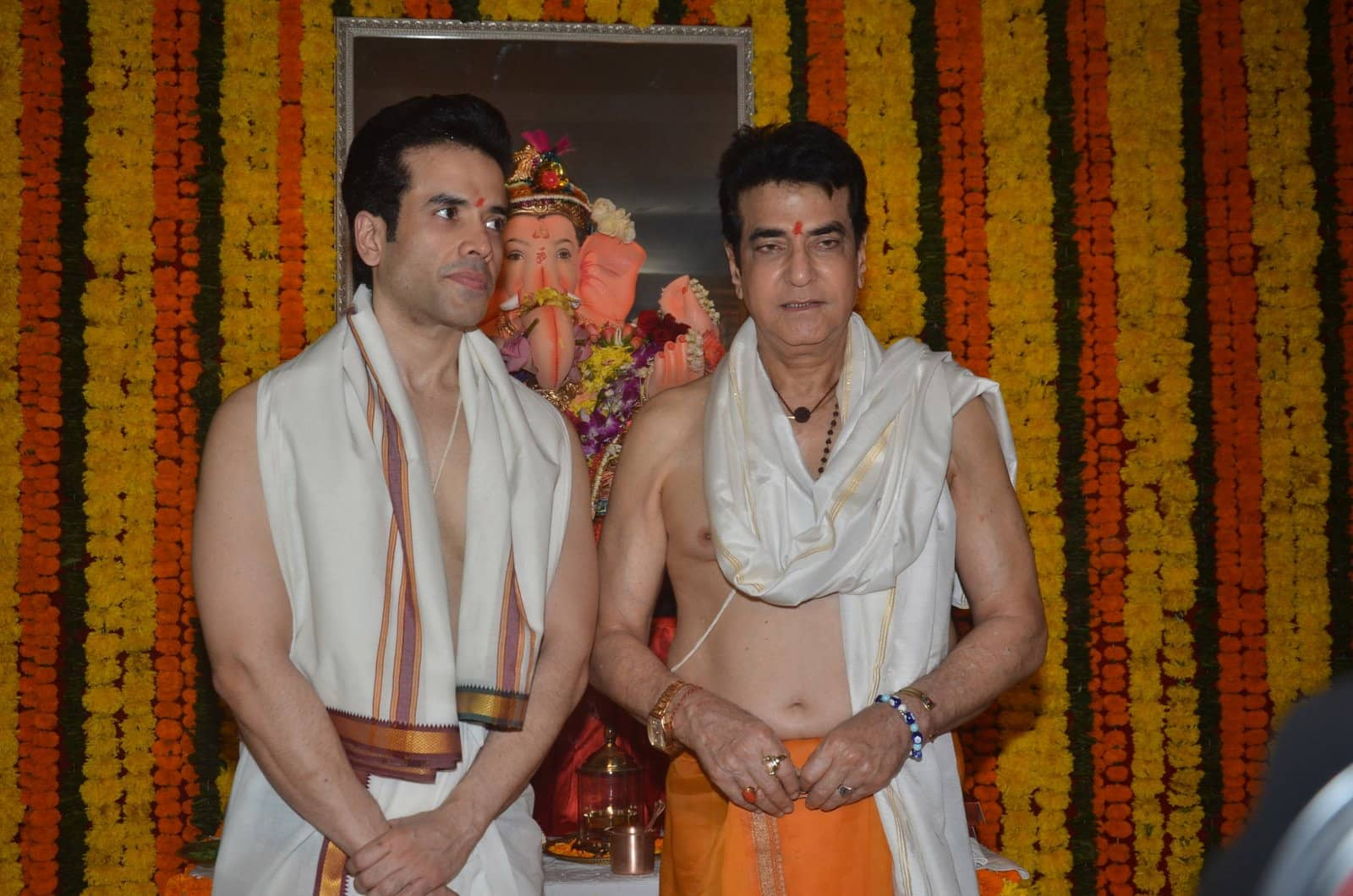 Actor Jeetendra with his son and actor Tusshar Kapoor