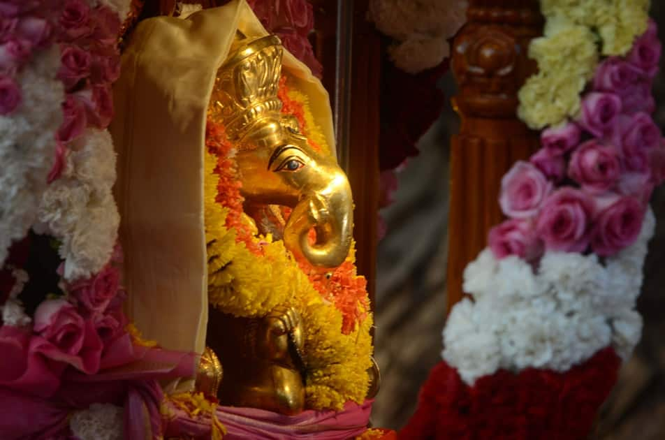 Devotees throng Siddhivinayak Temple