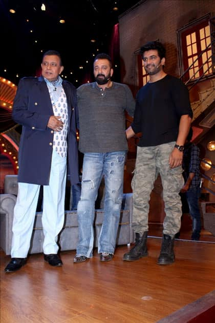 Actors Sanjay dutt, Sharad Kelkar with Mithun Chakraborty