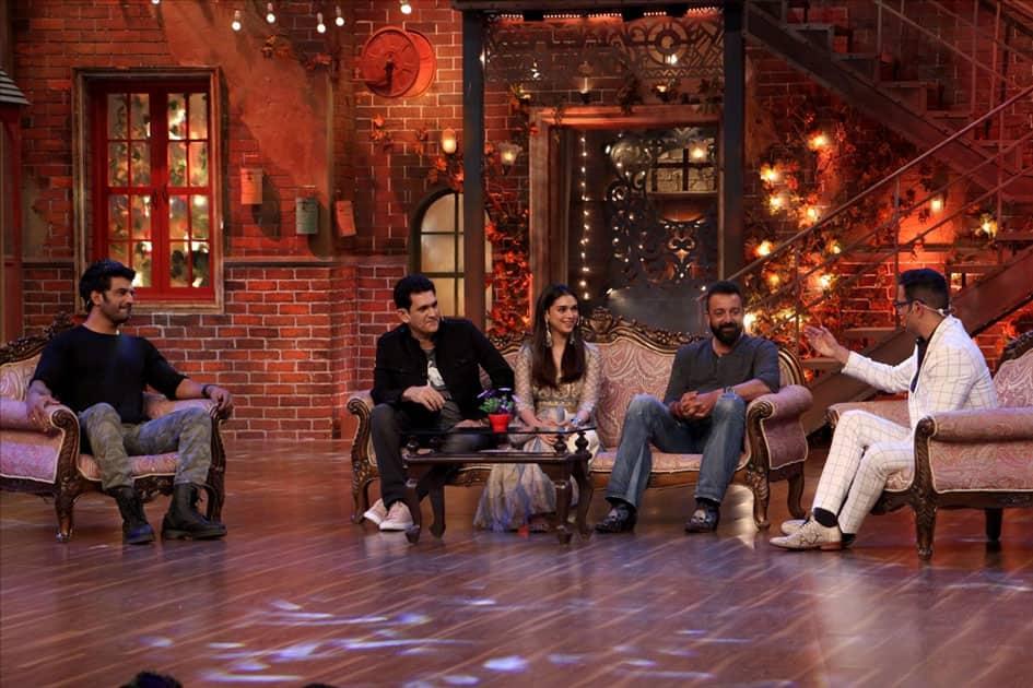 Actors Aditi Rao Hydari, Sanjay dutt, Sharad Kelkar and Film Director Omung Kumar