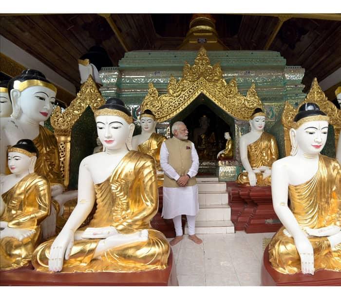 PM Narendra Modi visits the Shwedagon Pagoda