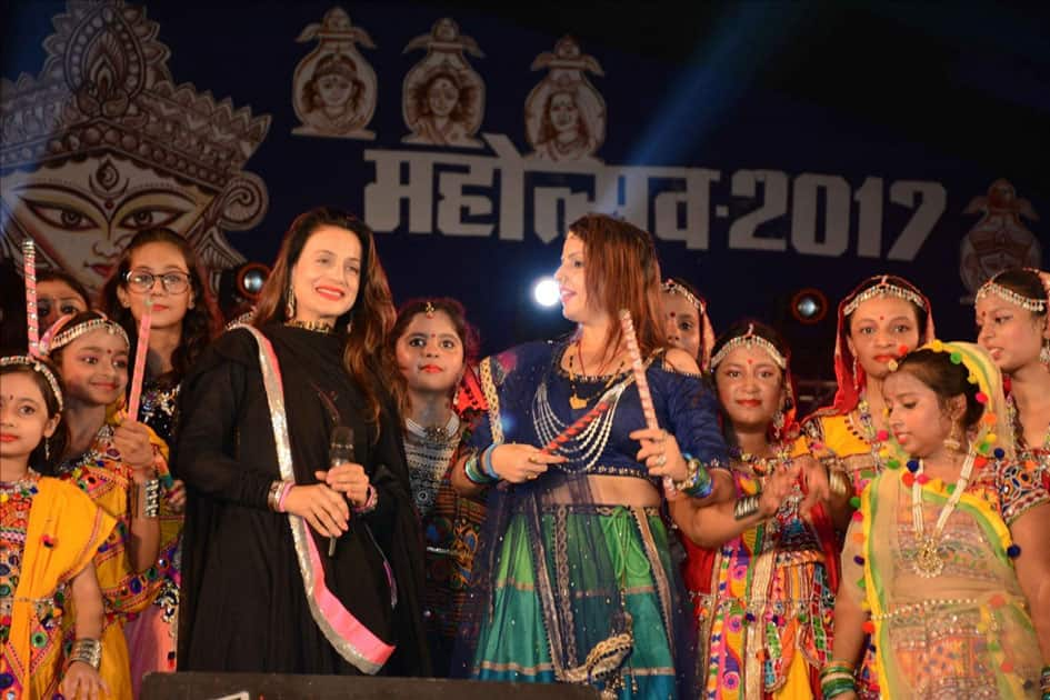 Actress Ameesha Patel during Dussehra Mahotsav 2017 at Gandhi Maidan in Patna.