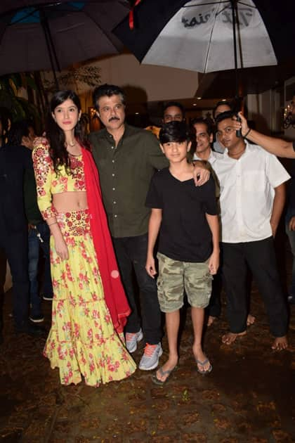 Actor Sanjay Kapoor's daughter Shanaya Kapoor and son Jahaan Kapoor with Actor Anil Kapoor during the celebration of