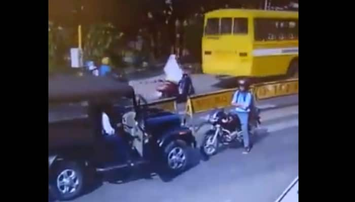 This Biker stands-up to SUV driving on wrong-side. Watch what happens next