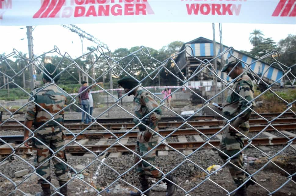 Army supervises construction work at Elphinstone station