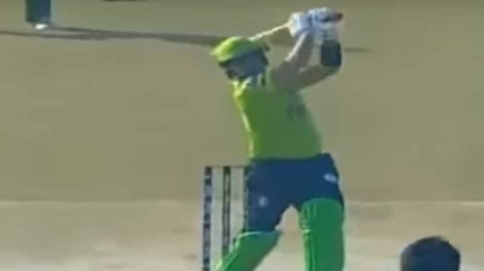 Records tumble in Rawalpindi as Kamran Akmal hits 71-ball 150 in T20 Cup — Video