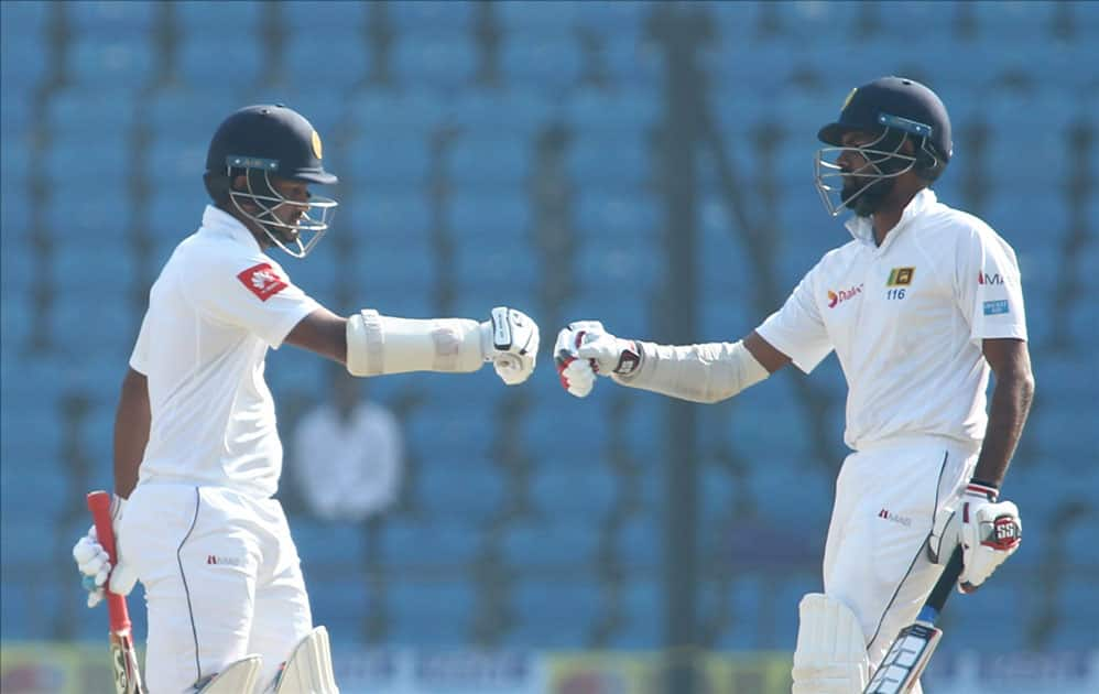 Dimuth Karunaratne and Lahiru Thirimanne of Sri Lanka in action on Day 4 of the second test match between India and Sri Lanka at Vidarbha Cricket Association Stadium in Nagpur.