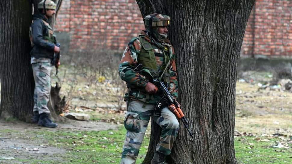 CRPF security personnal kills 4 jawans at Chhattisgarh camp, injures another