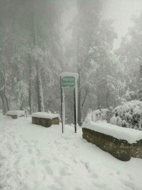Heavy snowfall at Kedarnath Dham and Chakrata, Uttarakhand.