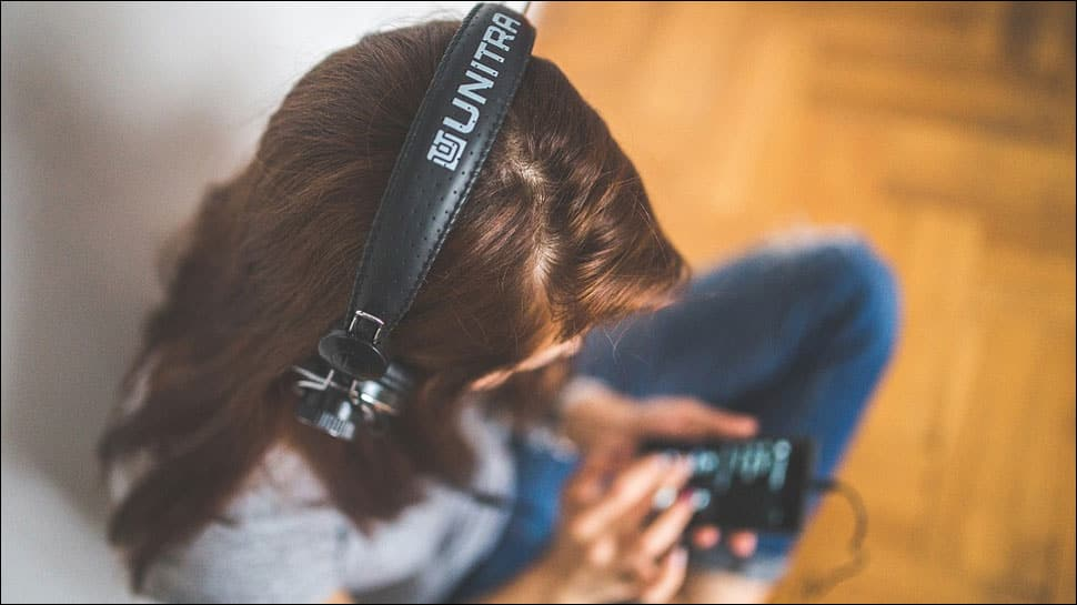 Music therapy along with traditional treatments may ease